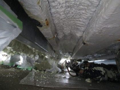 局舎(シェルター)床下フレーム腐食箇所の補強材追加工事