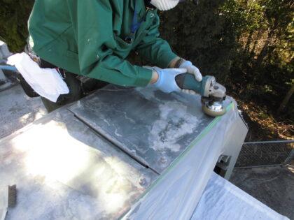 屋外ケーブルラック塗装工事